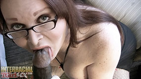 TS cougar Wendy squeezed balls in her mouth